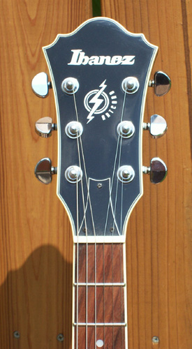 Ibanez AM-73 Artcore: Headstock