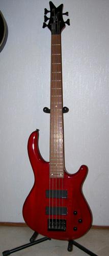 Dean Edge 5 5-String Bass: Front